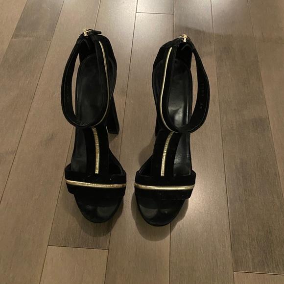Black suede Gucci high heel sandal